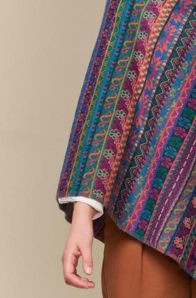Poncho UKALI mit Muster aus Baby Alpaka